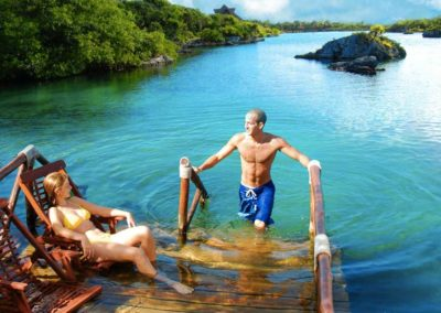 gringo-saliendo-del-agua-xel-ha