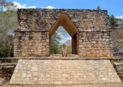 tourist-girl-ek-balam