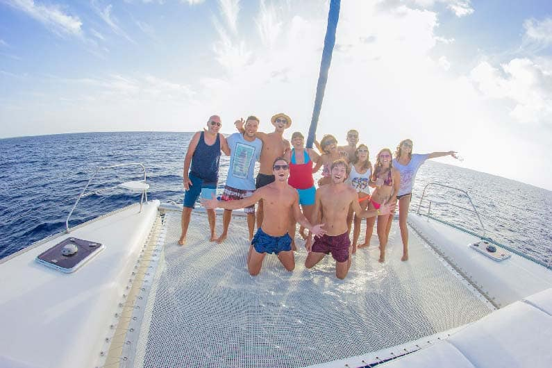 Half-Day Luxury Sailing Experience in Tulum with Open Bar